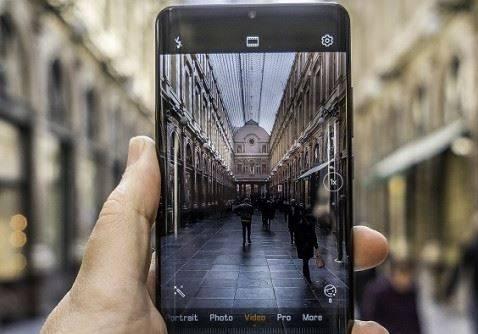 3 Smartphone yang Memiliki Kamera Belakang Bagus Buat Kebutuhan Foto